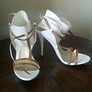 Shoedazzle White and Tan Heels